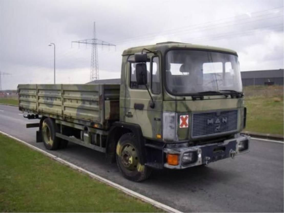 leger vrachtwagen MAN 13-192 F IC 4X2 (EX-ARMY) 1992