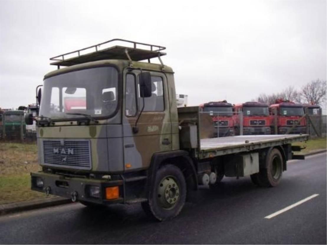 leger vrachtwagen MAN 13-192 F IC 4X2.(EX-ARMY) 1994