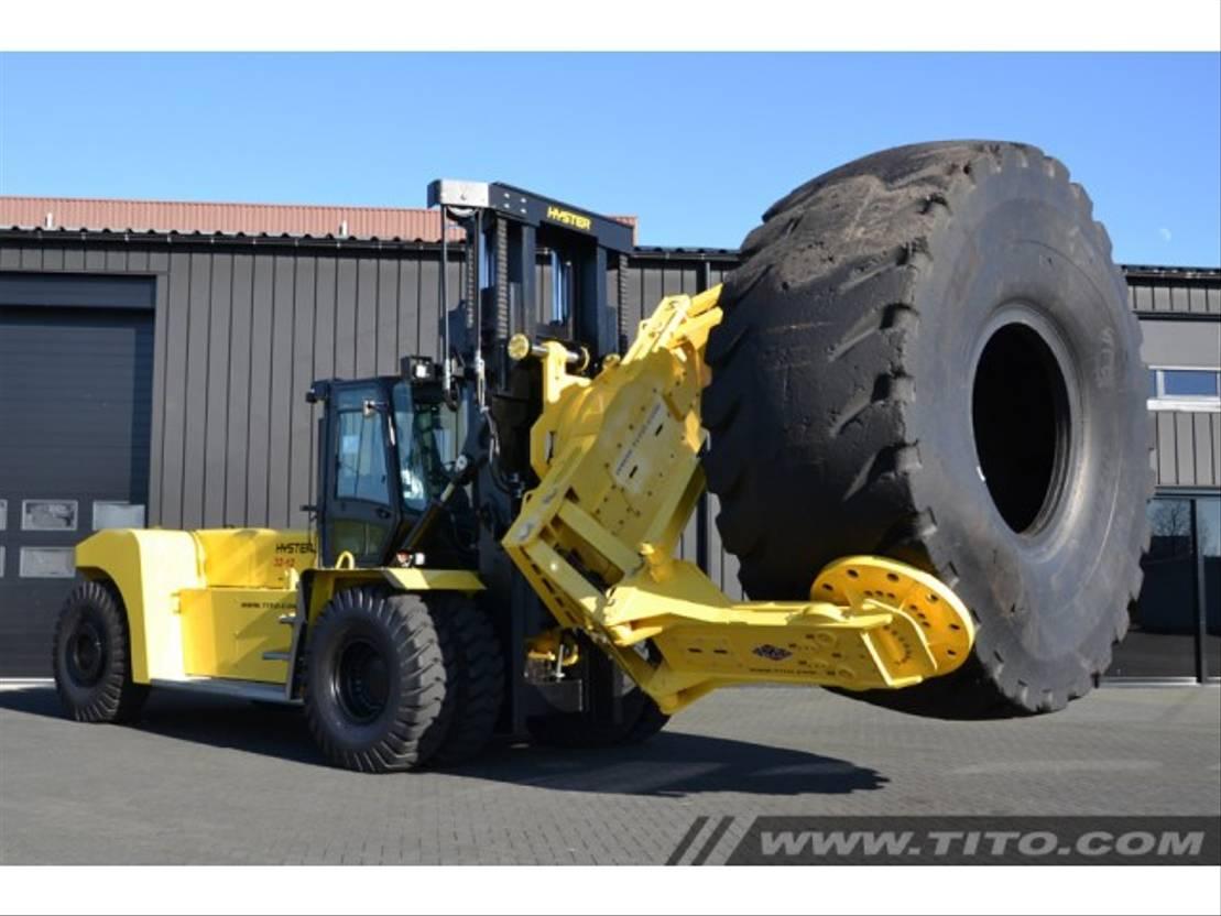 vorkheftruck Hyster H32XM-12 tirehandler 2015