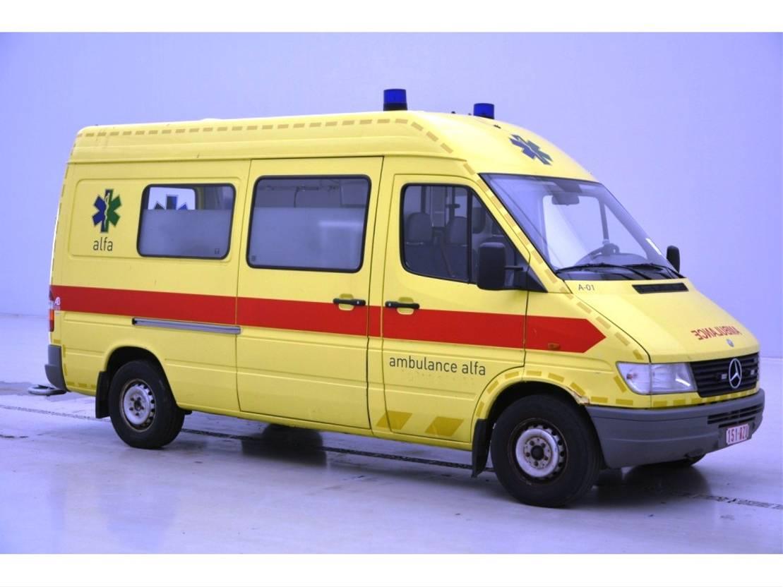 ambulance bedrijfswagen Mercedes Benz Sprinter Sprinter 312D Ambulance 1998