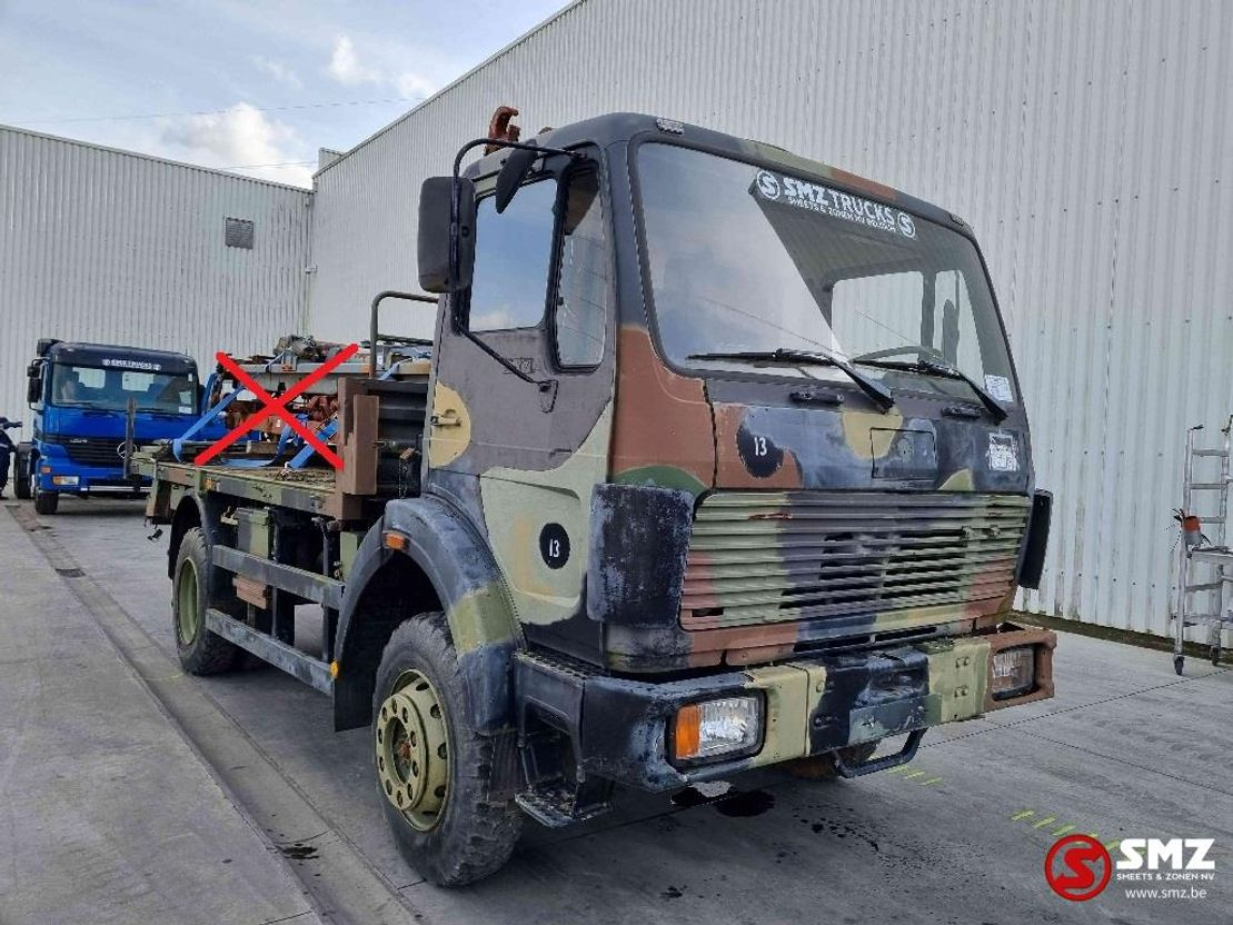 leger vrachtwagen Mercedes-Benz 1017 1988