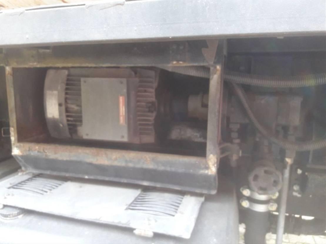 autohoogwerker vrachtwagen Scania T113 T 113 6x2 1993