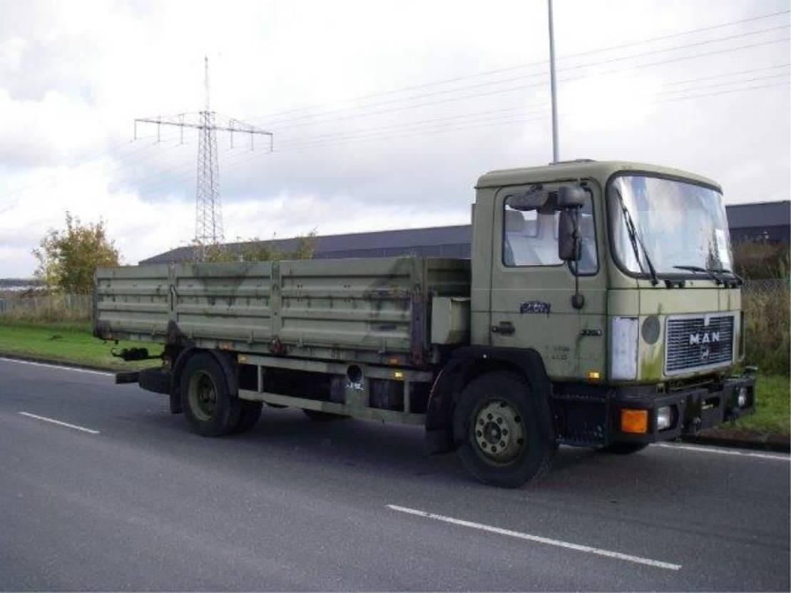 leger vrachtwagen MAN 13-192 F 1993