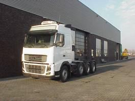 zware last trekker Volvo FH 16 580 8X4 TRACTOR 2009