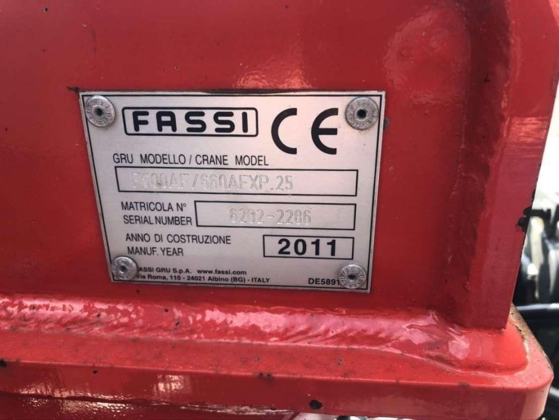 kraanwagen FASSI FASSI 660 AXP KRAAN MET WISSELSYSTEEM LAADBAK 2011