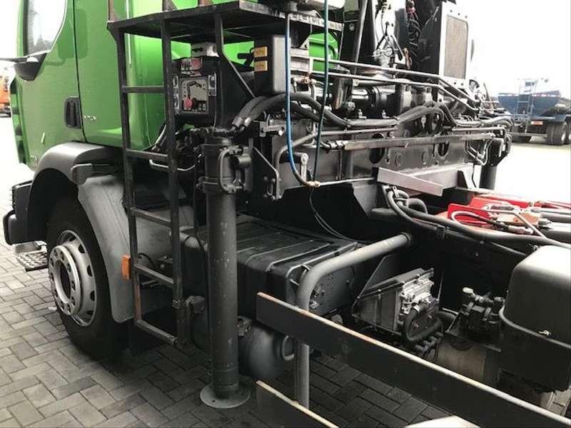Renault - MIDLUM HAKEN+ HIAB KRAN 8