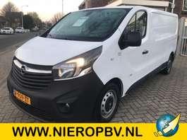 gesloten bestelwagen Opel vivaro navi airco lengte 2 2017