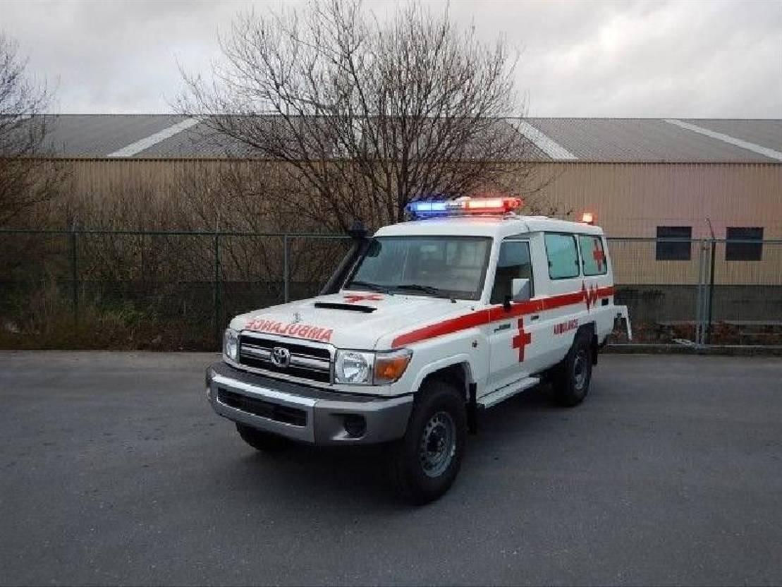 ambulance bedrijfswagen Toyota Land Cruiser Ambulance, VDJ 78, 4.2L