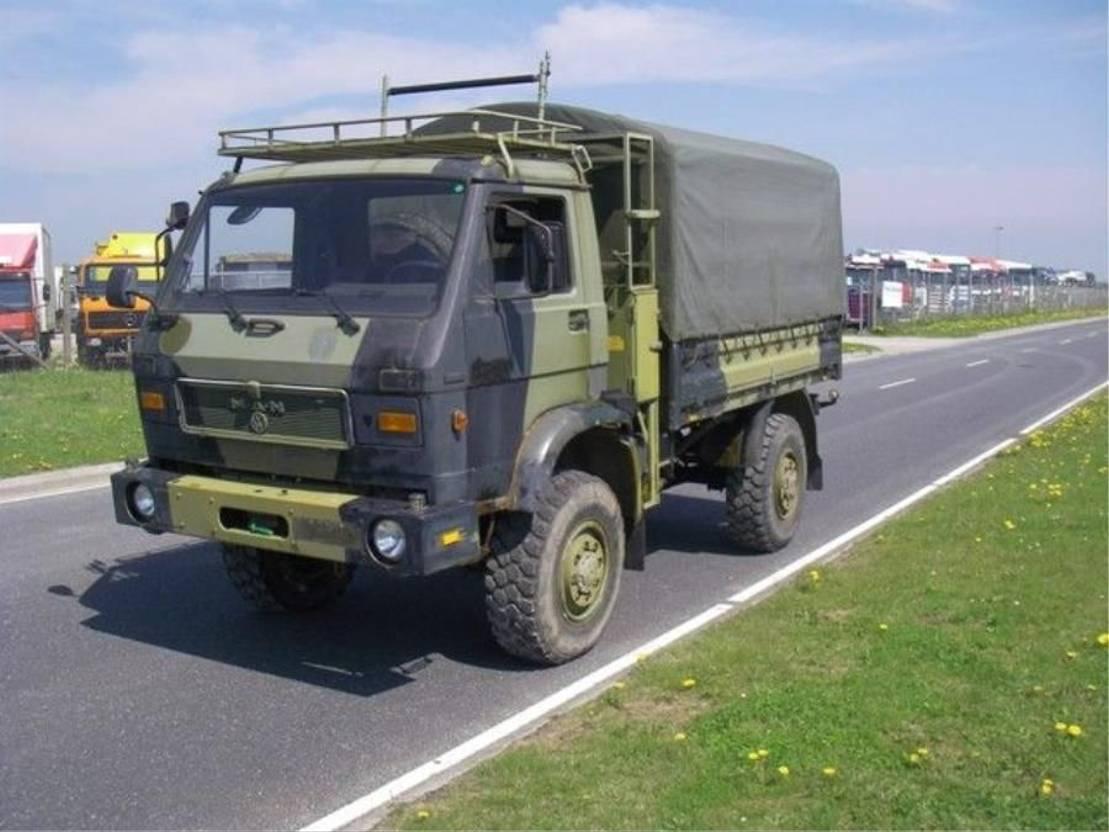 leger vrachtwagen MAN 8-136 FAE 4X4. 1985
