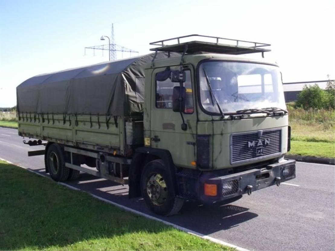 leger vrachtwagen MAN 13-192 F 4X2 Sj.land 1993