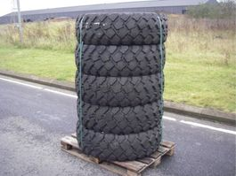 banden vrachtwagen onderdeel Michelin 335 X 80 X R 20.