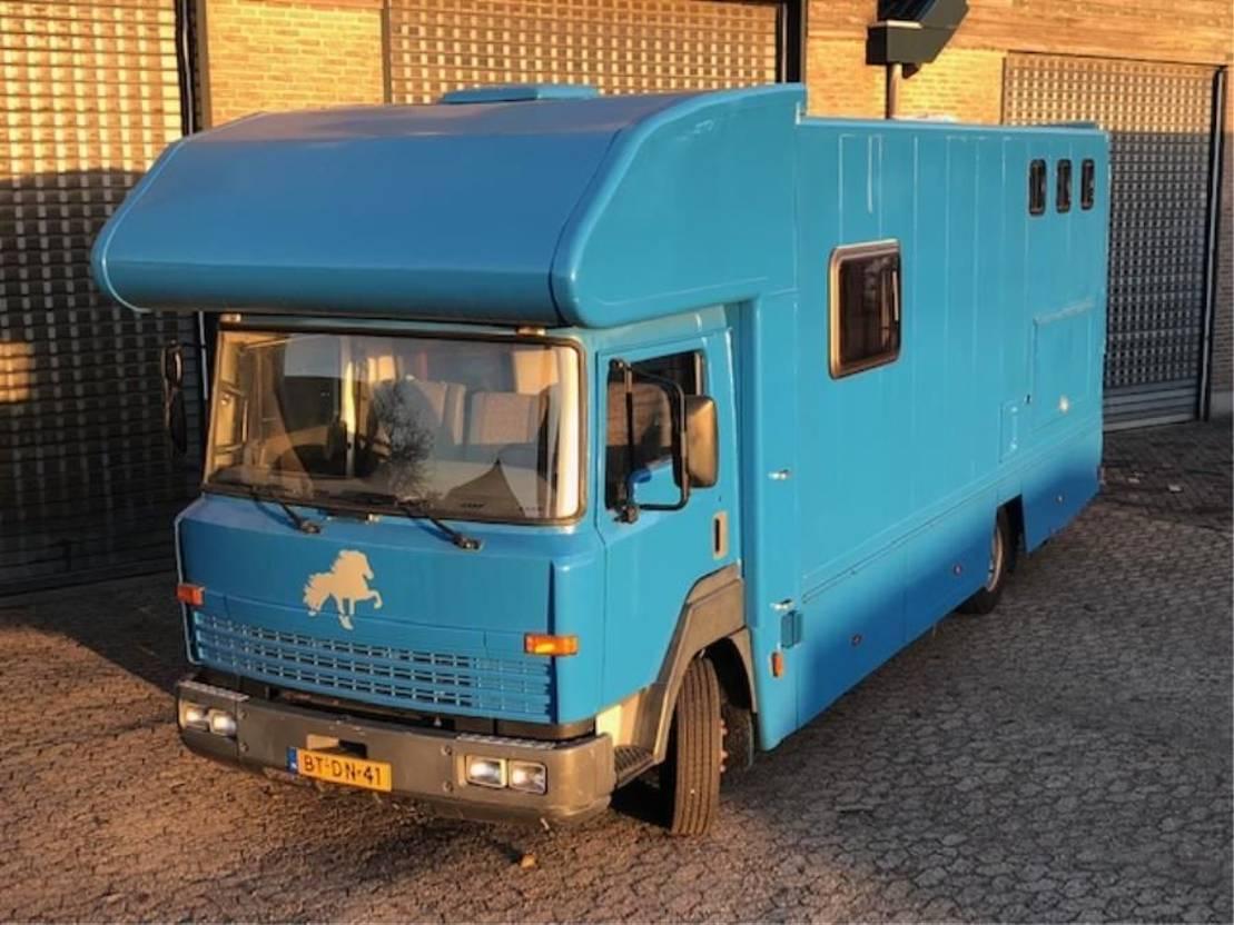 paardenvrachtwagen Nissan Eco 160 1997