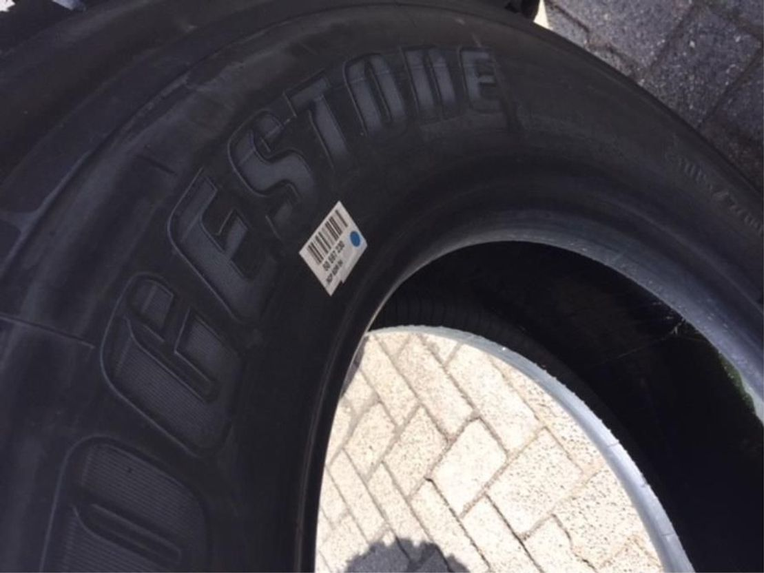 banden vrachtwagen onderdeel Michelin 315/70R22.5 Powertruck fleet Precured