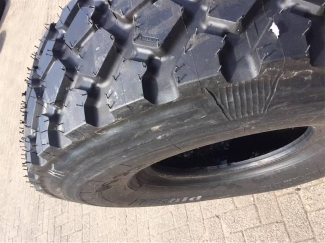 banden vrachtwagen onderdeel Michelin 14.00R20 XZL (Precured)