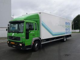 bakwagen vrachtwagen Volvo FL614 4X2 2001