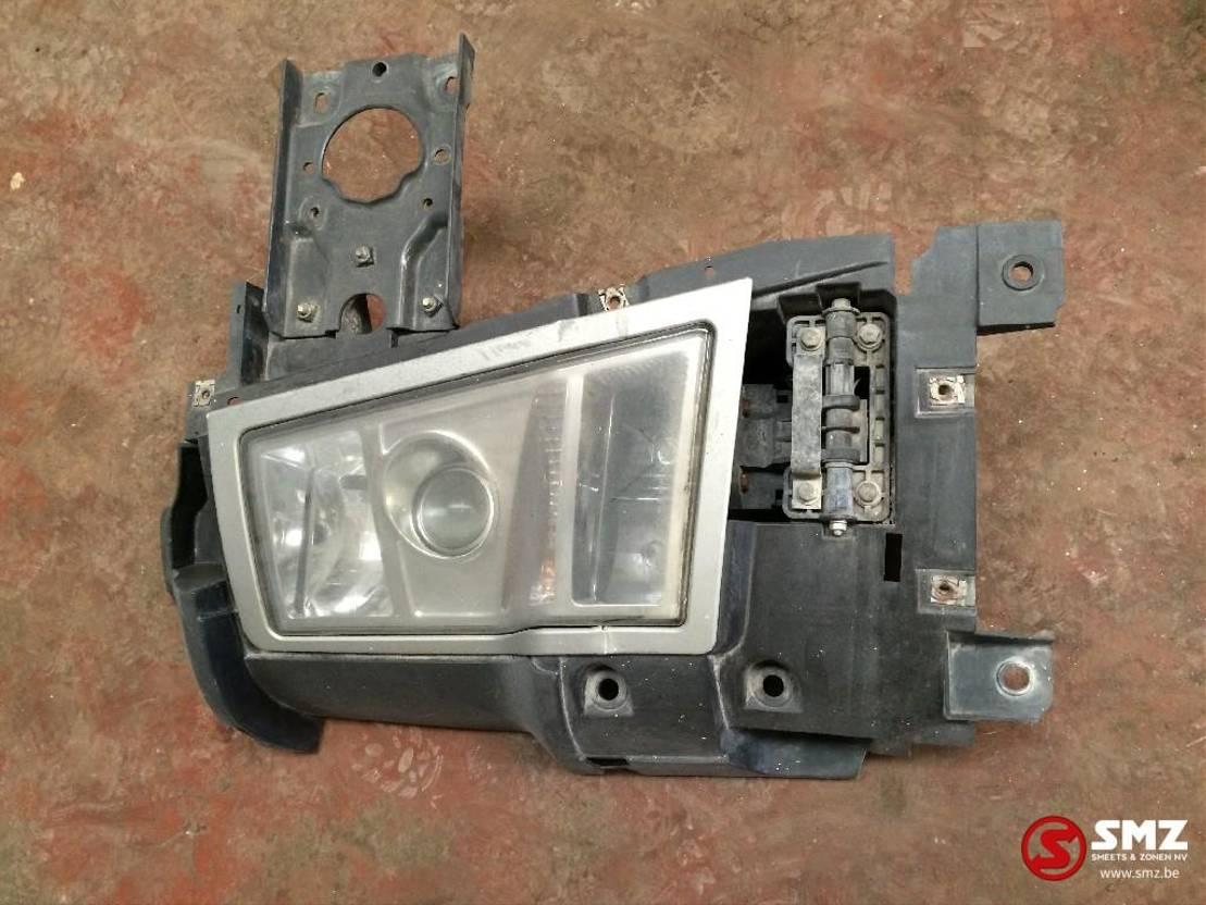 Koplamp vrachtwagen onderdeel Volvo Occ koplamp rechts + steun volvo fh