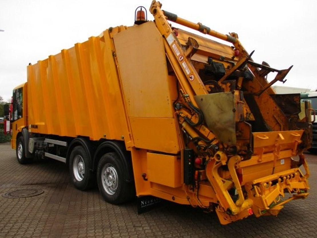 vuilniswagen vrachtwagen Mercedes Benz 2633 6x2 Econic Faun/Universal/Waage/EU3 2004