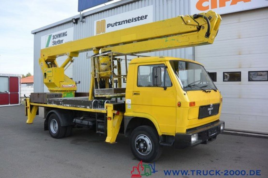 autohoogwerker vrachtwagen MAN Wumag WT 250 Arbeitsbühne 25m seitl. Auslage 16m 1993