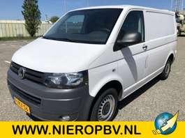 gesloten bestelwagen Volkswagen TRANSPORTER BESTEL D 75 KW airco navi 2011