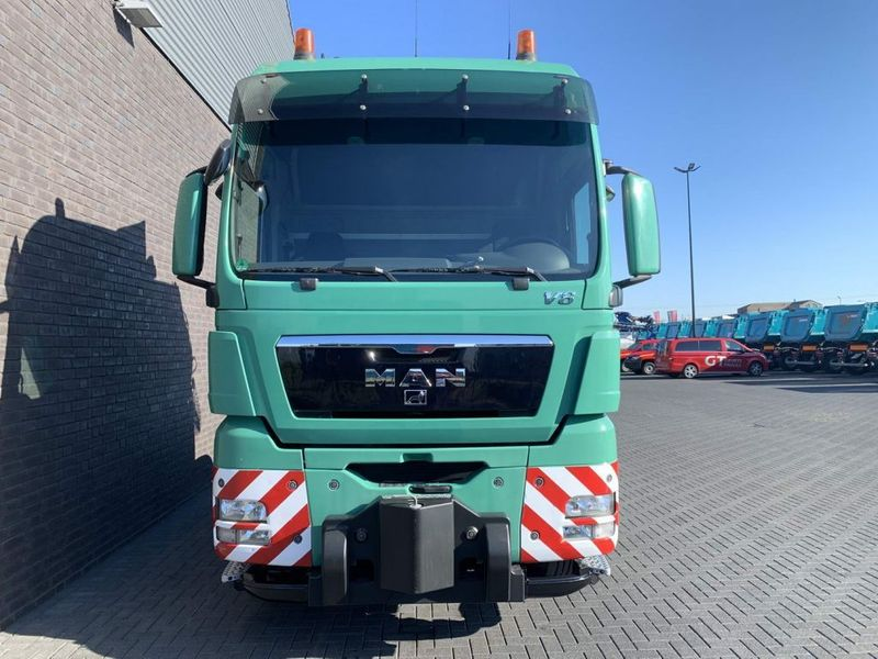 MAN - TGX 41.680 8X4 HEAVY DUTY TRACTOR 250 TONS 4