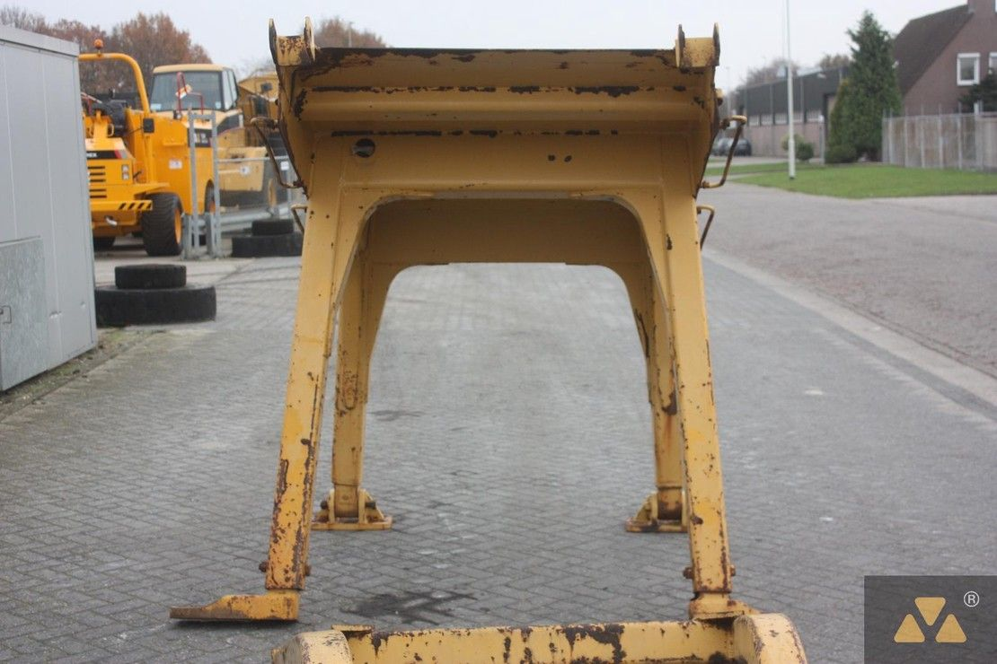 cabine - cabinedeel equipment onderdeel Caterpillar O-rops cab D9H