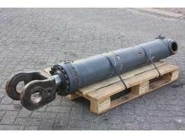 overige equipment onderdeel Volvo Cylinder lift L330E