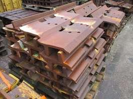 "chassis equipment onderdeel Caterpillar D9H Shoe 30"" 2020"