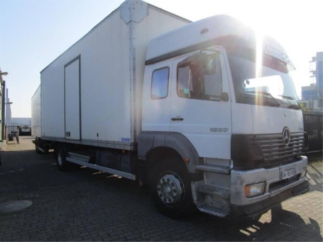 bakwagen vrachtwagen > 7.5 t Mercedes Benz 1833 LL 4X2 2003
