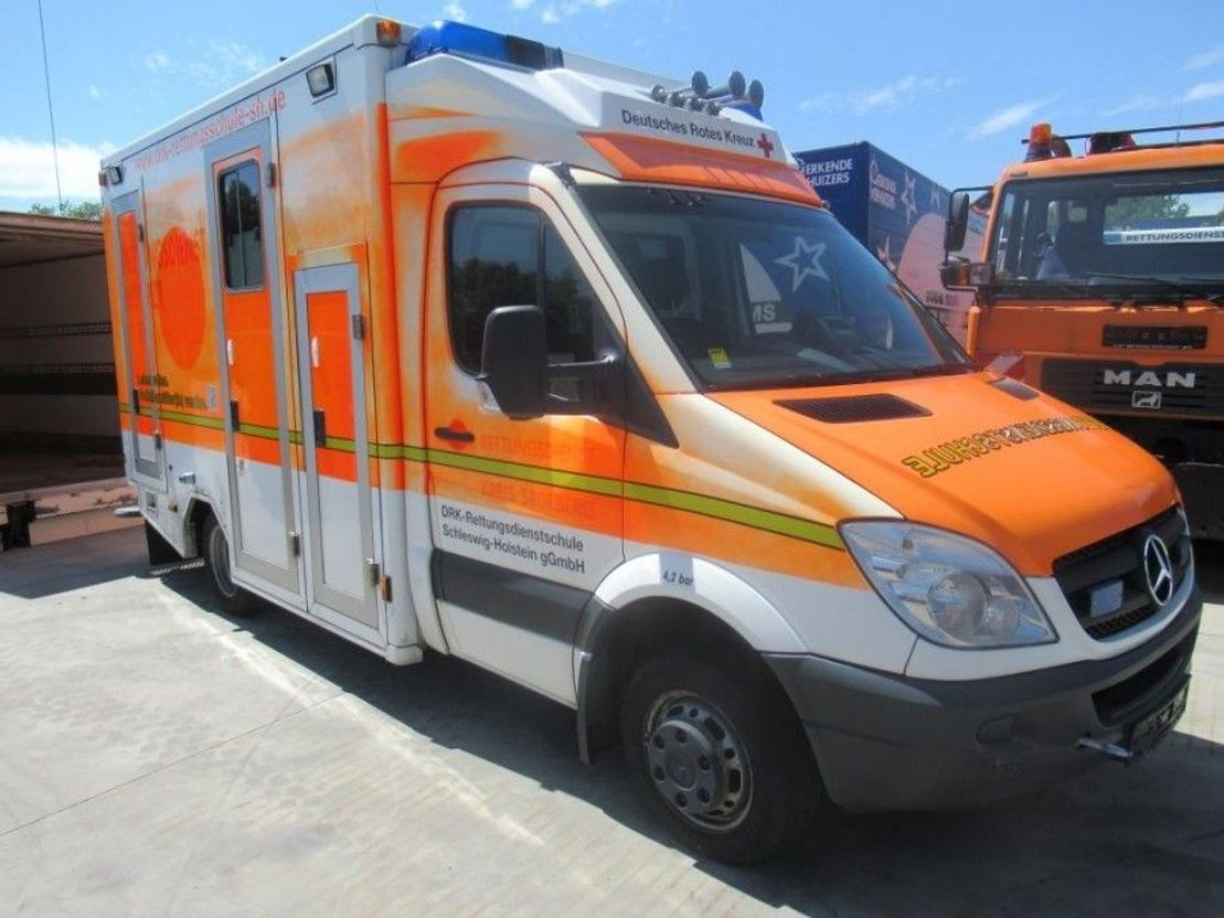 ambulance bedrijfswagen Mercedes Benz Sprinter 515 CDI  Versnellingsbak schade ! Sprinter 515 cdi 2007