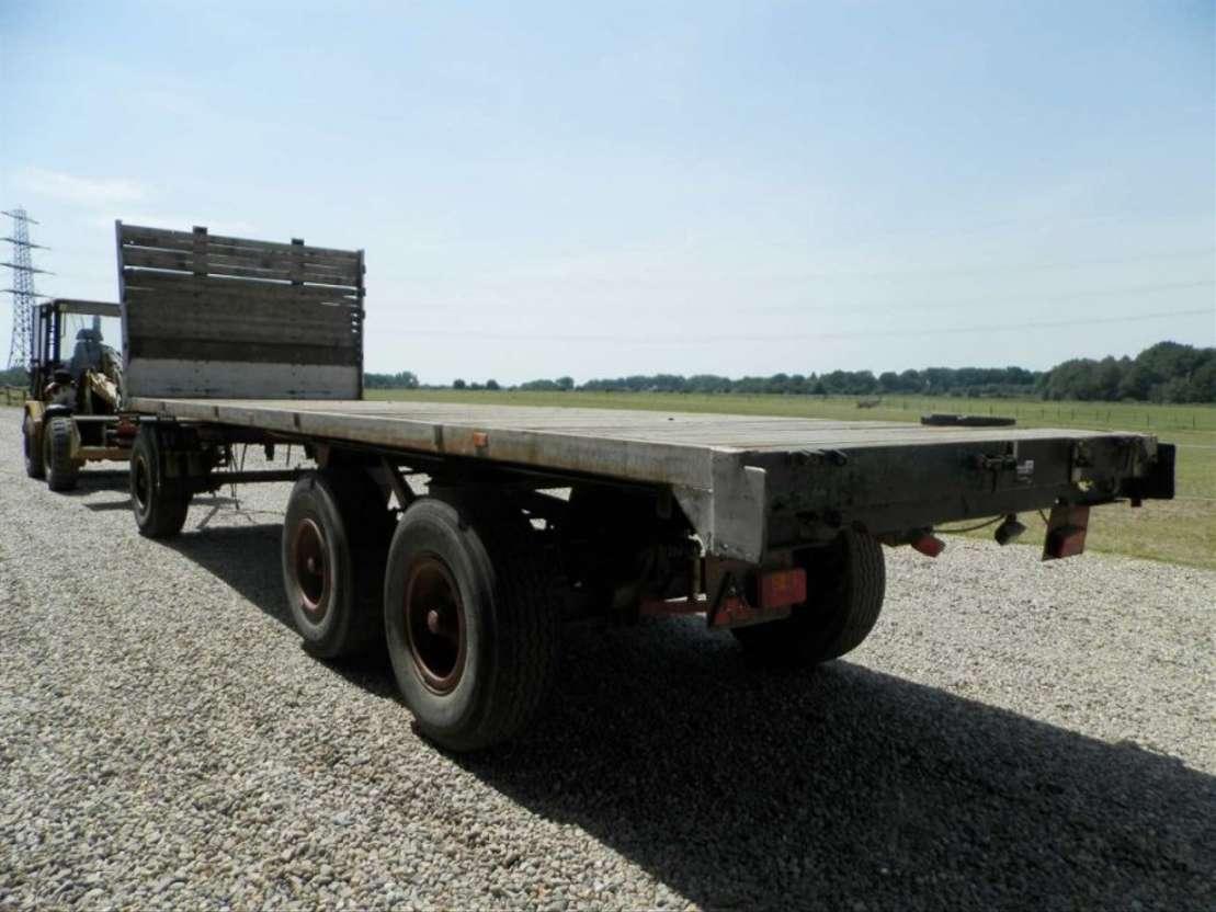 platte aanhanger vrachtwagen Leven 3-assige aanhangwagen 1961