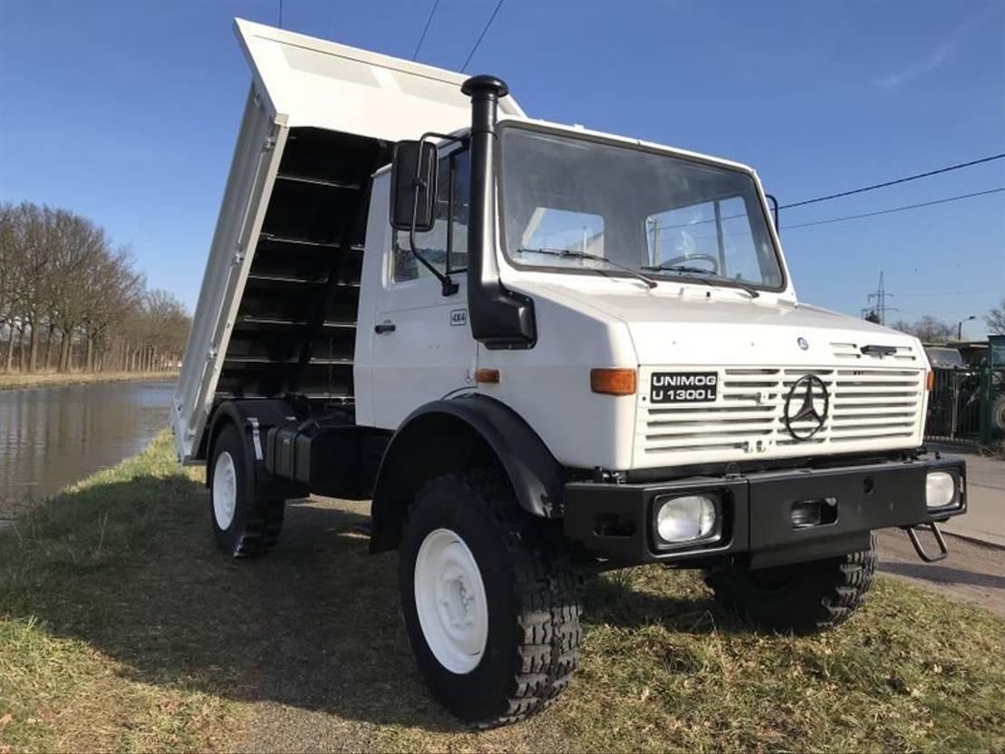 leger vrachtwagen Mercedes-Benz Unimog U1300 1983