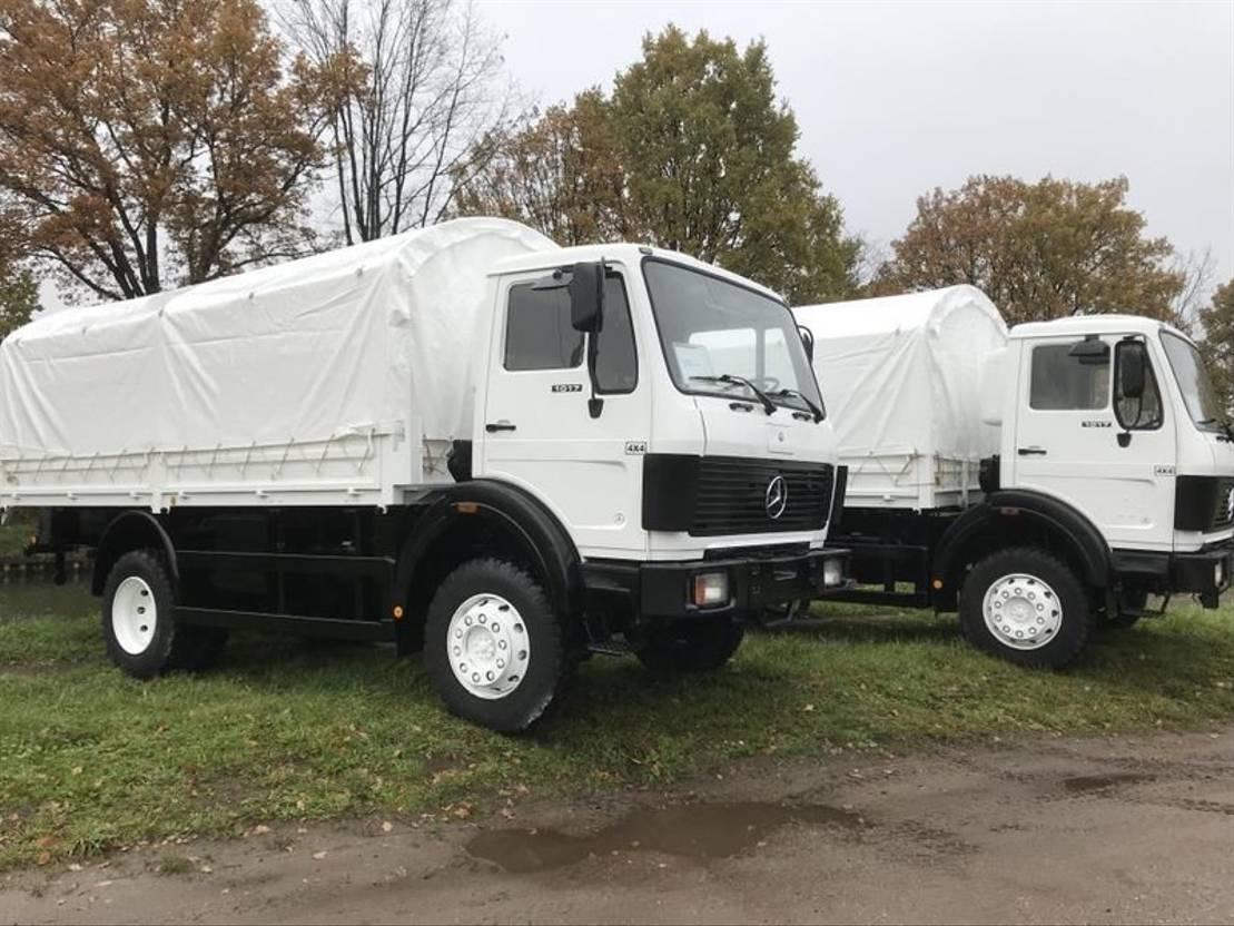 leger vrachtwagen Mercedes-Benz 1017 1982