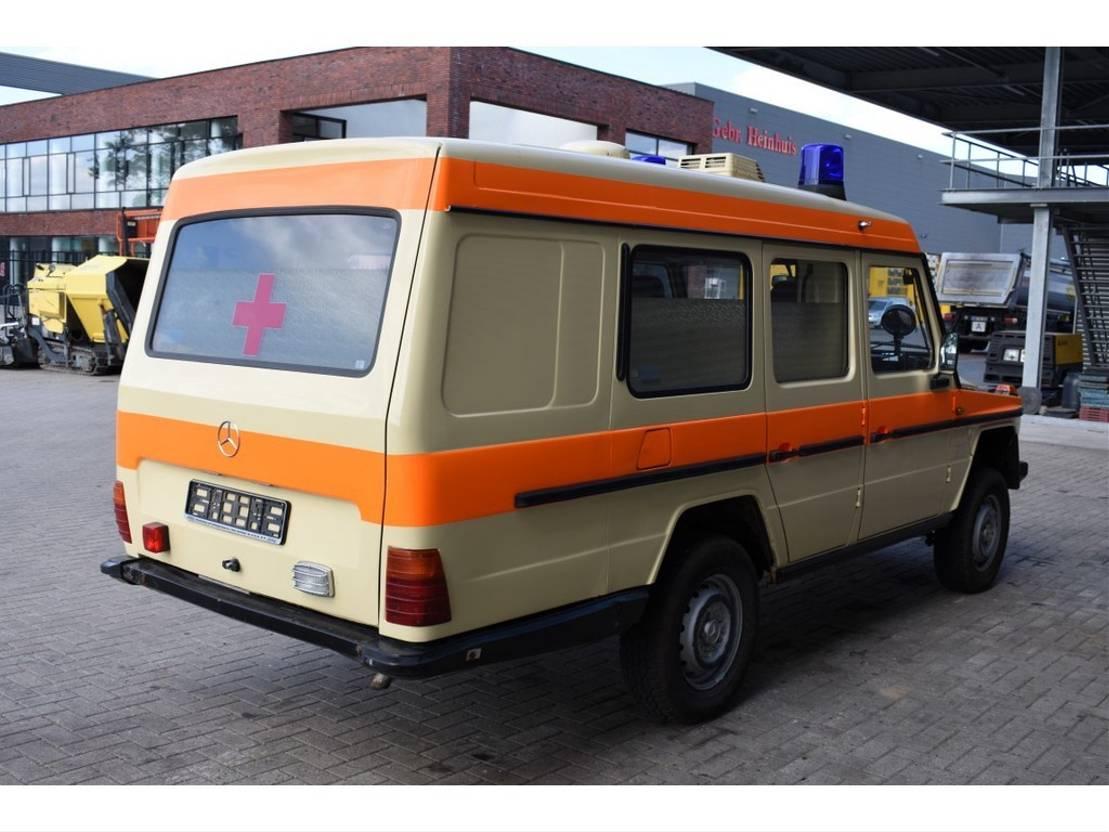 ambulance bedrijfswagen Mercedes Benz W460 250 GD Krankenwagen 4x4 1992