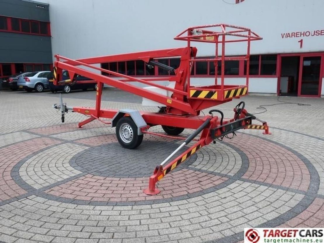 hoogwerker aanhanger DIV. DIV Sky High 1200 Articulated Towable Boom Work Lift 1200cm 1999
