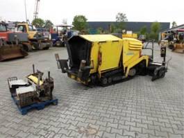 asfalteermachine wielen Demag Svedala DF40 C 2007
