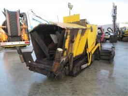 asfalteermachine rups Demag DF45 CS 2007