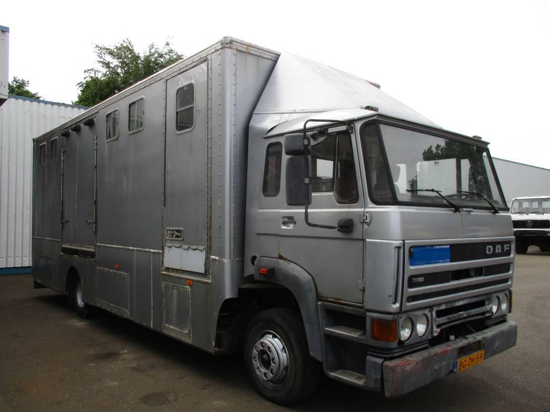 bakwagen vrachtwagen DAF 1700 , Horse Truck 1987