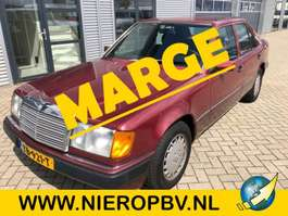 sedan auto Mercedes Benz 200 E 124 type automaat 157000km 1989