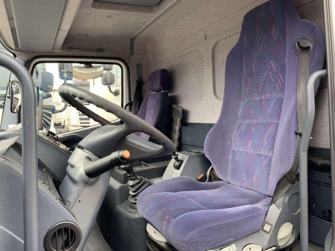 bakwagen vrachtwagen Mercedes Benz Atego 818 D 2004