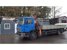 kipper vrachtwagen MAN 24.272 - 6x2 - Crane + Tipper 1995