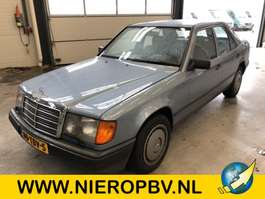 sedan auto Mercedes Benz 124type 230 E 124 1985