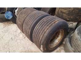 banden auto onderdeel Michelin 445/45 R19.5