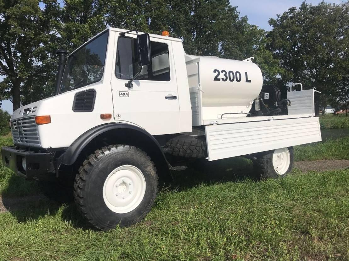 leger vrachtwagen Mercedes-Benz Unimog U1300 4x4 1988