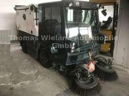 bosbouw trekker Schmidt Swingo Compact 200+ Strassenkehrmaschine 2014