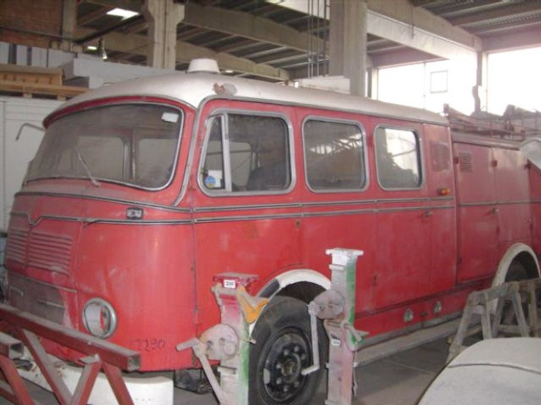 ambulance bedrijfswagen Mercedes Benz - LPF 311 LPF 311 4x2 Feuerwehr Löschwagen 1961
