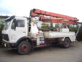 betonpomp vrachtwagen Mercedes-Benz - 1619 4x2 Schwingsitz 1982