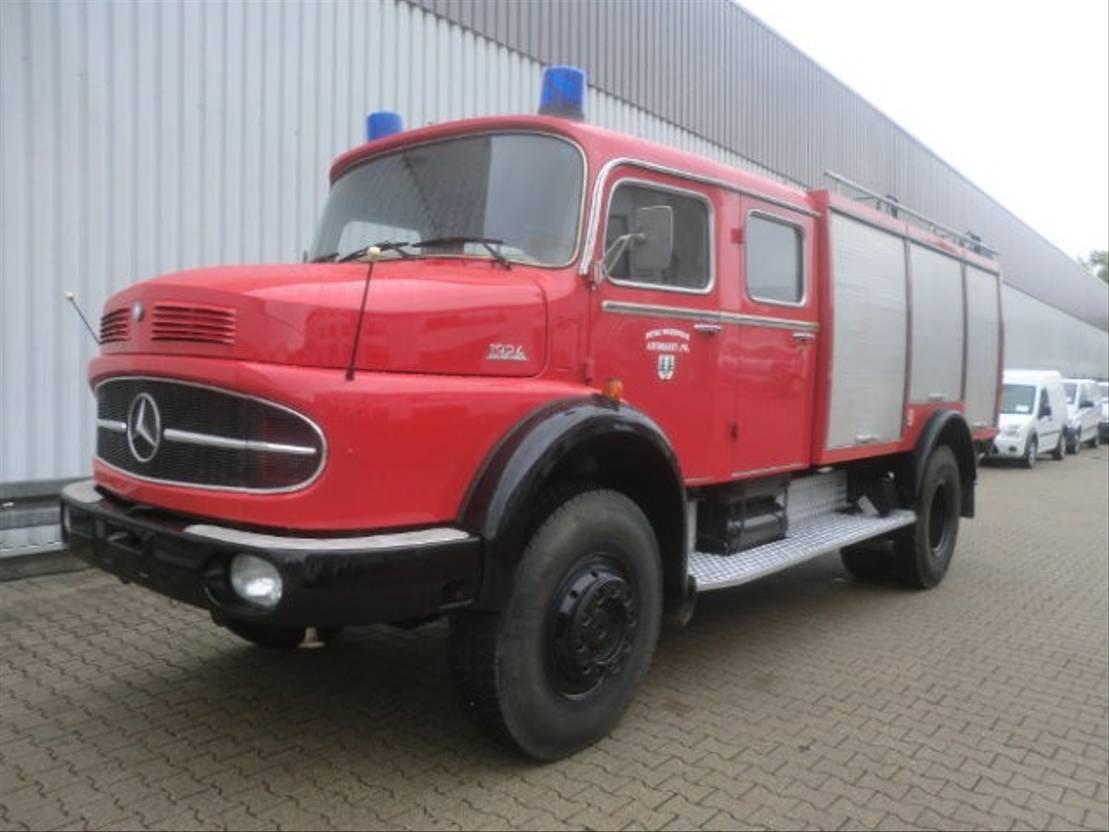 ambulance bedrijfswagen Mercedes Benz LAK 1924 4x4 LAK 1924 4x4 TLF, Feuerwehr 1974