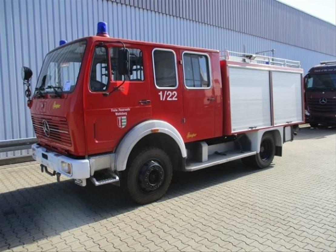ambulance bedrijfswagen Mercedes Benz 1017 AF 4x4 1017 AF 4x4, TLF16/25, Feuerwehr 1979