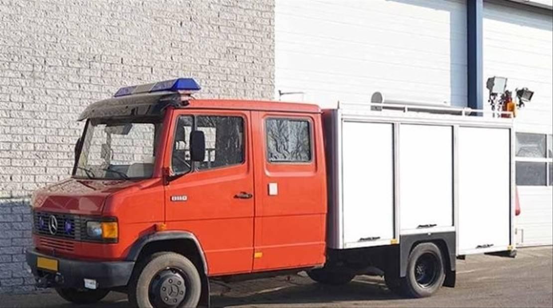 ambulance bedrijfswagen Mercedes Benz 811D 4x2 811D 4x2 Feuerwehrwagen Doppelsitzbank 1990