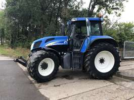 standaard tractor landbouw New Holland New Holland TVT135